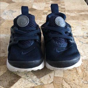 Nike Presto navy blue size 6 toddler